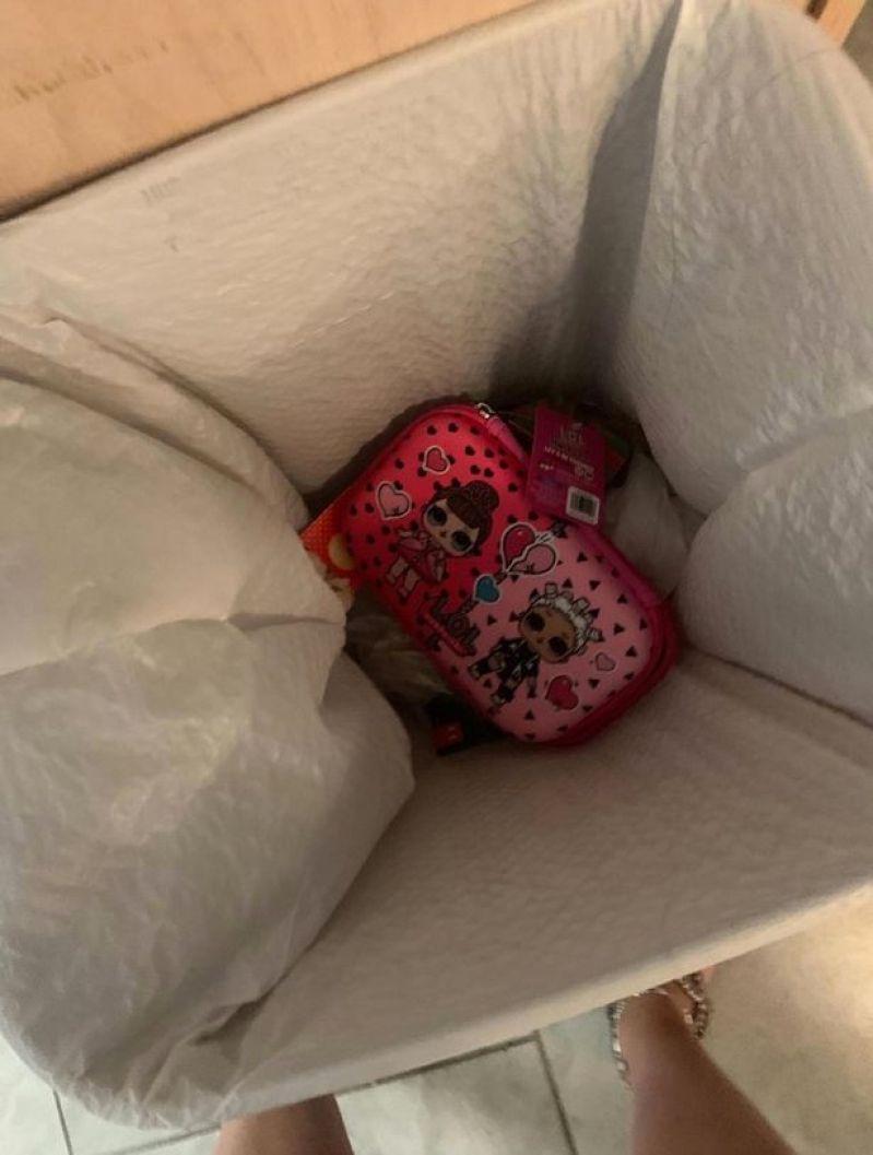 Matka daje niewdzięcznej córce potężną lekcję pokory! 6-latka wyrzuciła piórnik, który kupiła jej do szkoły