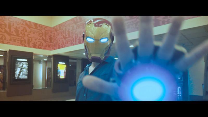 Mężczyzna oświadcza się w trailerze Avengersów! Pokonał Kapitana Amerykę, żeby usłyszeć TAK