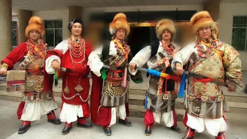 Mnisi z Tybetu nie są wcale tacy święci. To OPRAWCY tygrysów na gigantyczną skalę, a ich okrucieństwo mrozi krew w żyłach