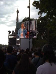 Christophe Maé ouvre le concert gratuit de Johnny Hallyday au Champ de Mars