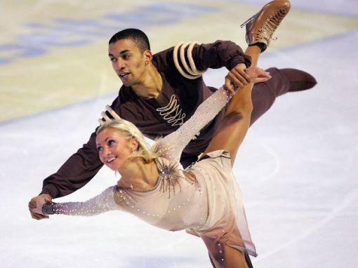 0ld-figure-skating-savchenko_98imgGalBig-mY