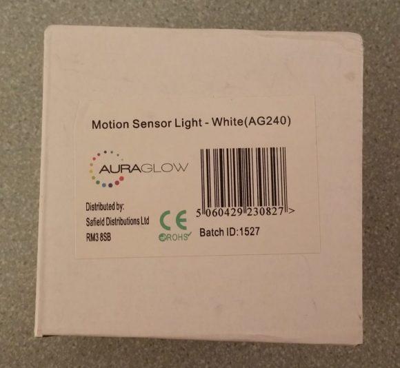 Test de la lampe de nuit à LED AGL avec détecteur de mouvements 2