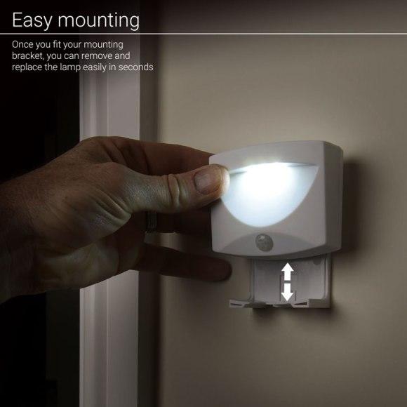 lampe led easy mounting 580x580 - Test de la lampe de nuit à LED AGL avec détecteur de mouvements