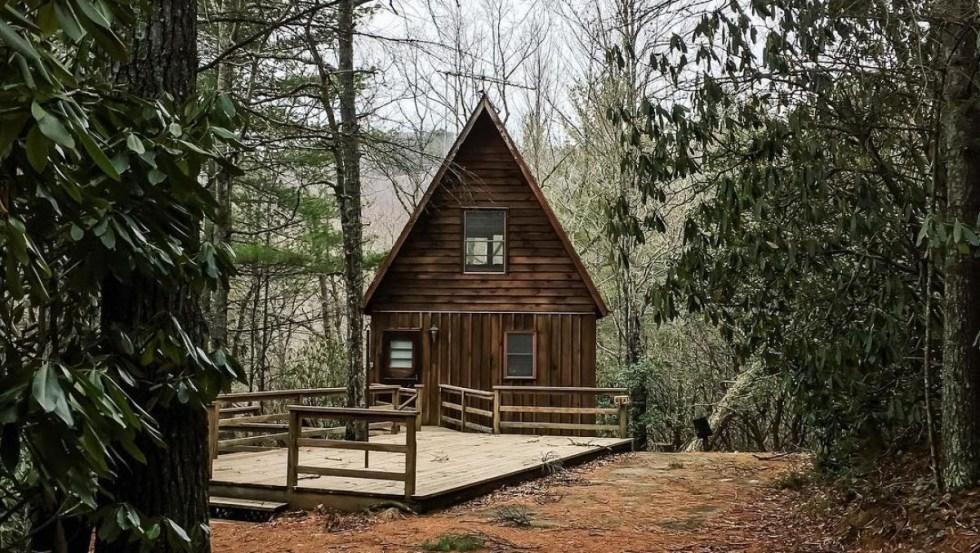 Bear Den Campground & Creekside Cabins (Instagram: @alexbuhk)
