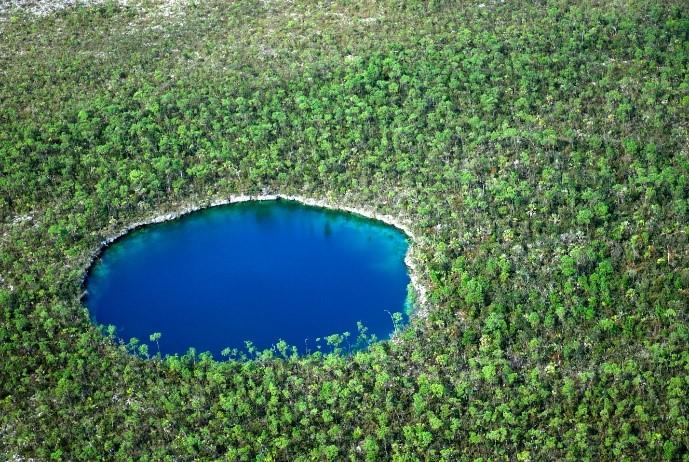 Bahamas blue hole