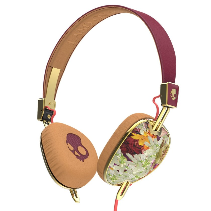 Skullcandy knockout-an introvert's guide to travel-jetsetterproblems.com