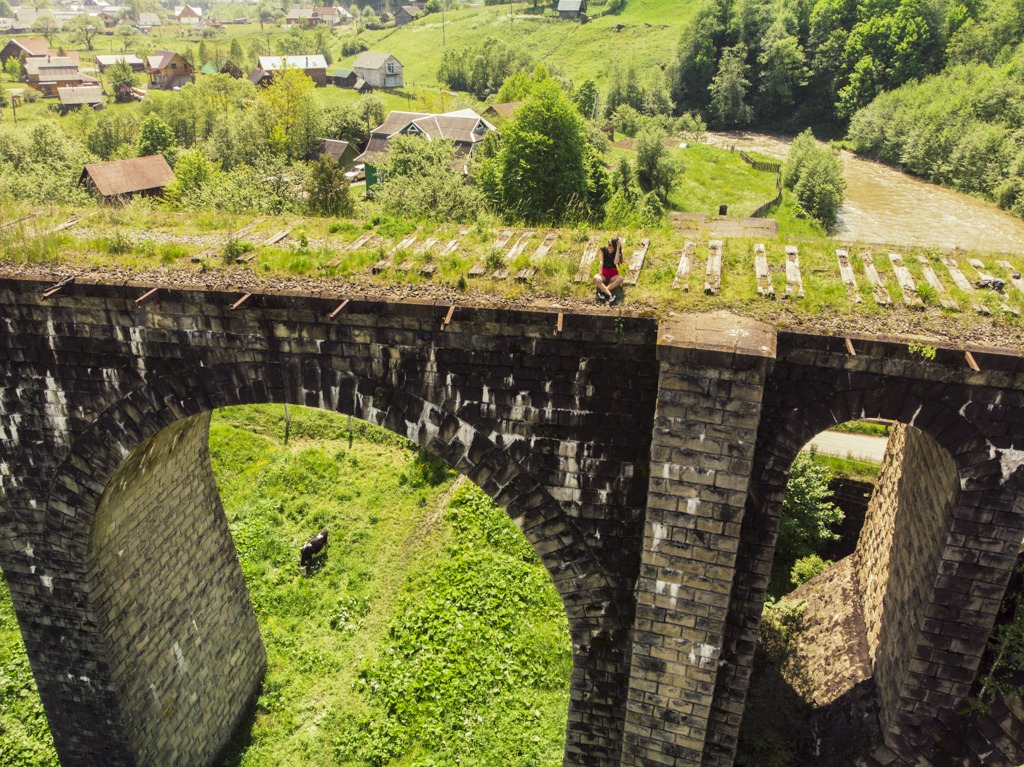 Drone picture of me on the viaduct