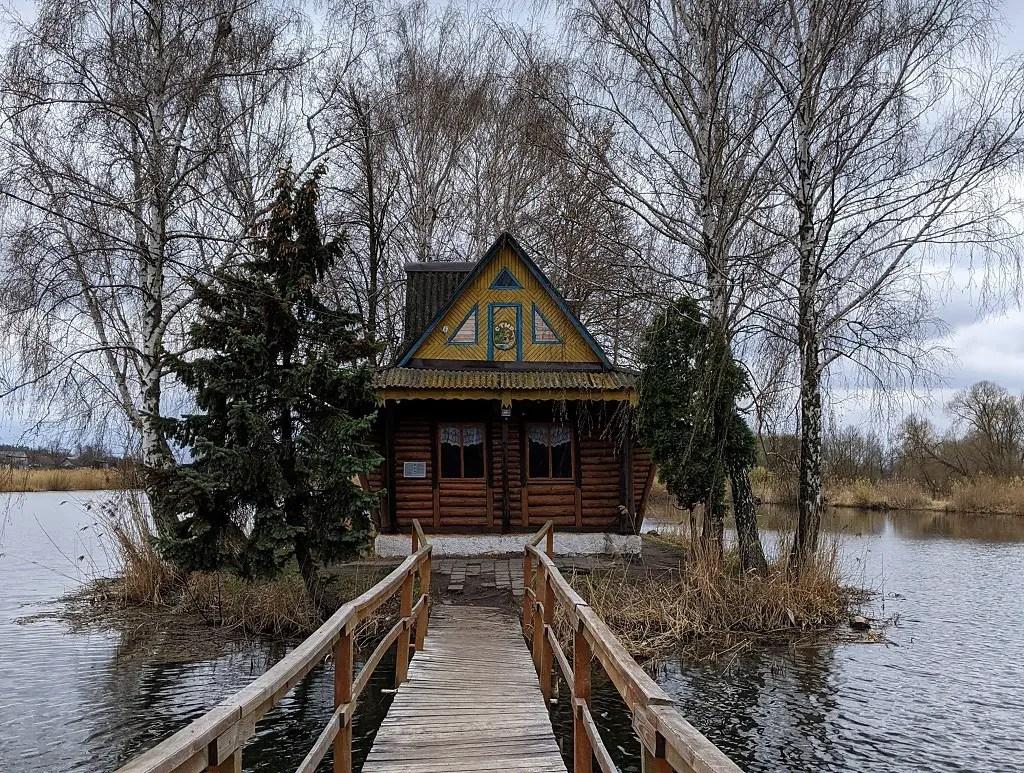 fishermans-house-staryi-solotvyn-ukraine