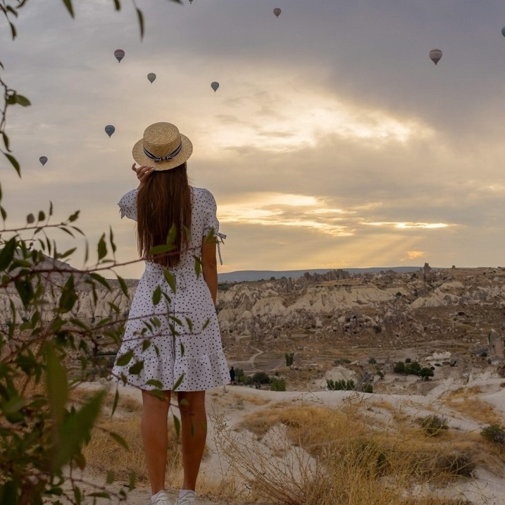 Visit One Of The Viewpoints During The Sunrise or Sunset, Goreme, Cappadocia