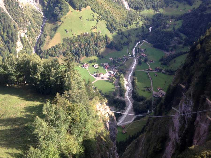 Between Gimmelwald and Mürren