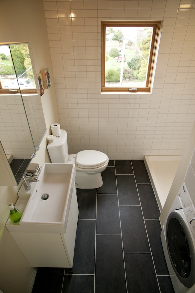 Jetson Green - Stylish Greenfab Home Unveiled in Seattle on Model Toilet Design  id=80464