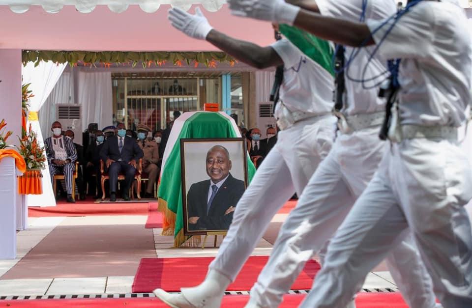 Roch Marc Christian Kaboré et Macky Sall, lors de l'hommage national à Amadou Gon Coulibaly, le 14 juillet 2020.
