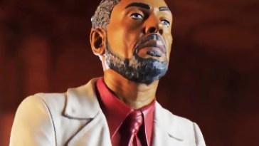 une figurine de 26 cm de Anton et Diego Castillo dans le collector