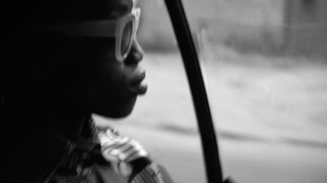 laetitia-kandolo-kinshasa-through-the-car-jewanda