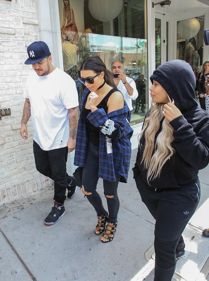 kim-kardashian-blac-chyna-reunies-jewanda-2
