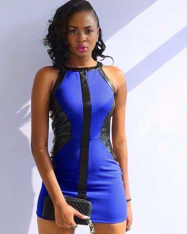 plus sexy Ebony Teen
