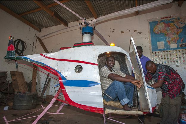 Africain-fabrique-un-helicoptere-jewanda-1