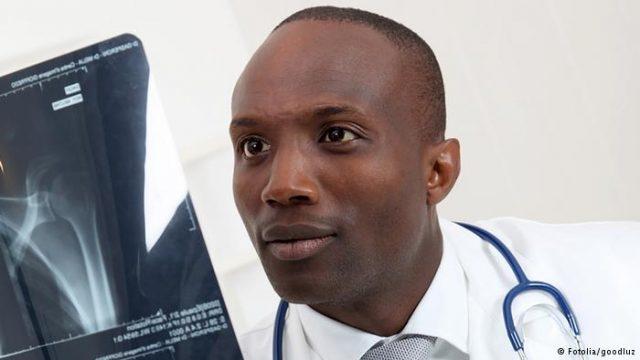 fmi-exhorte-cerveaux-africains-rester-developper-lafrique-jewanda