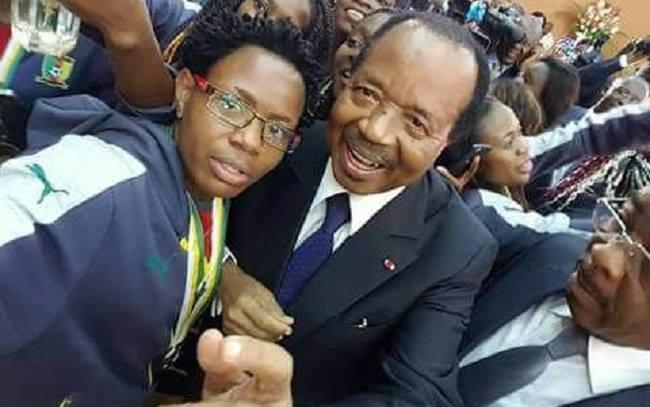 paul-biya-selfie-lionnes-indomptables-jewanda