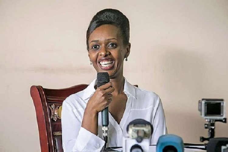 Lesbiennes mâture nue belles femmes rwandaise nu