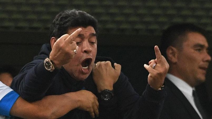 Mondial: Diego Maradona pourrait être sanctionné par la FIFA (photos)