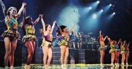 Beyonce-Mrs-Carter-Tour-in-Christie-Brown-JeWanda-2