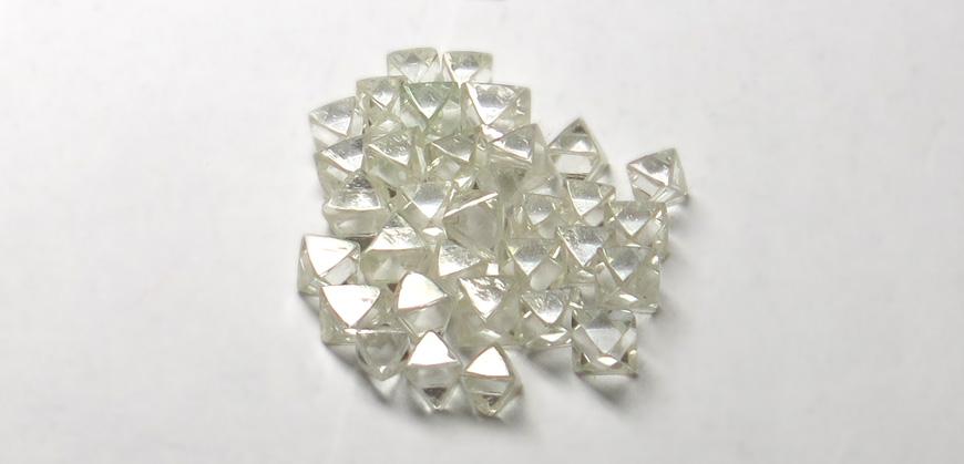 正八面体ダイヤモンド原石