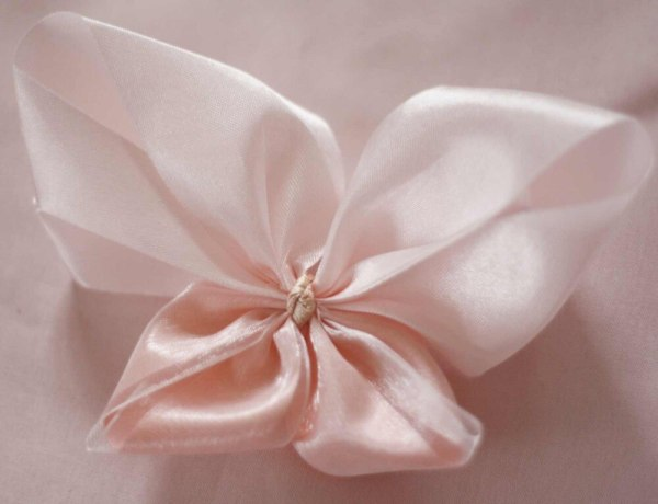 Butterfly Hair Bow from the Lucia Bow Tutorial