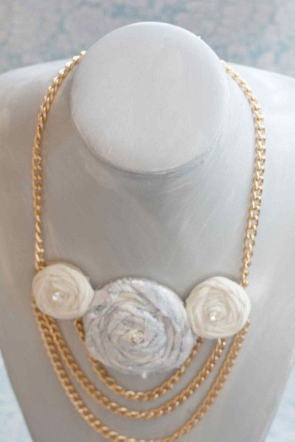 Chain Necklace using the Rolled Rose Fabric Flower Tutorial