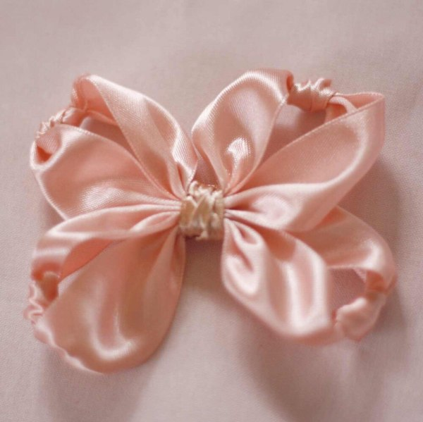 knotted lucia hair bows tutorial