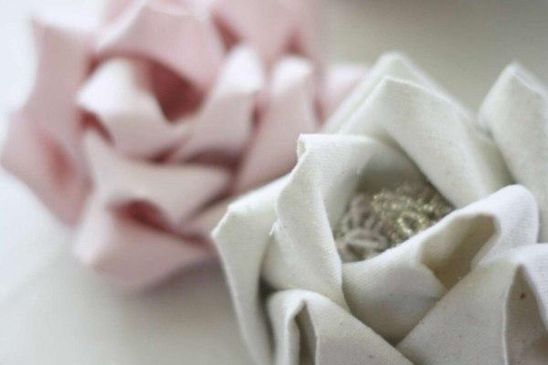 Mayumi Rose Fabric Flower | A No Sew Tutorial