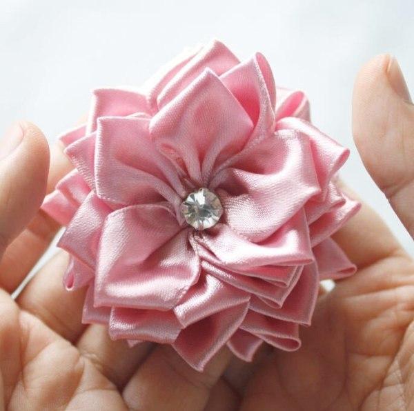 How to make beautiful fabric flowers | Sweet Blossom Tutorial