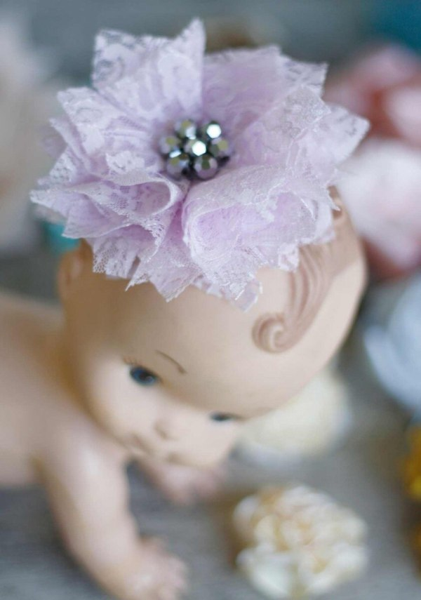 laced fabric flower hair clip using Carnation Tutorial