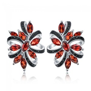 0.8ct Natural Red Garnet Sterling Silver Blooming Flower Black Stud Earrings