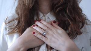 claddagh ring: an alternative for diamond engagement ring