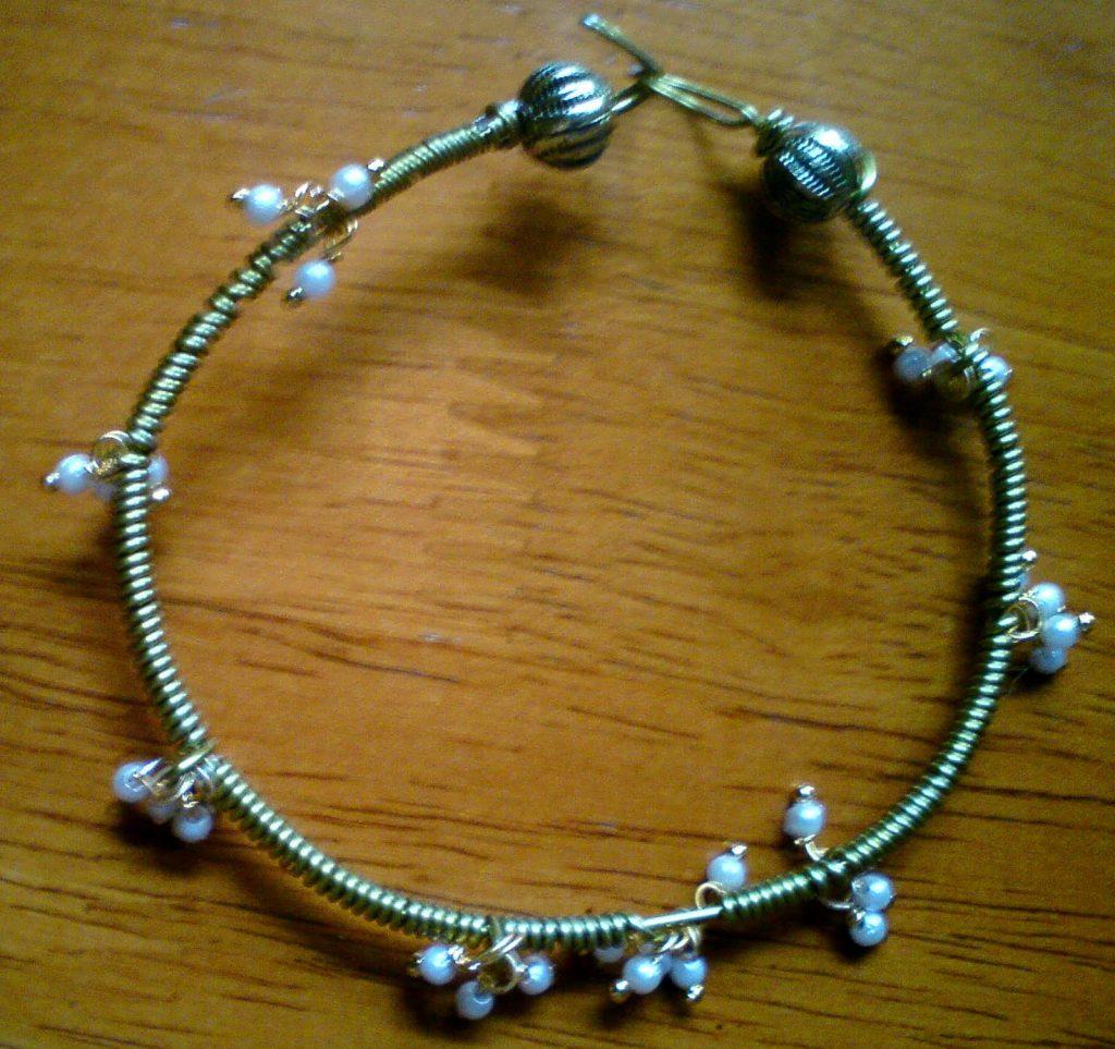 Wire wrapped bracelet tutorial | Jewels of sayuri