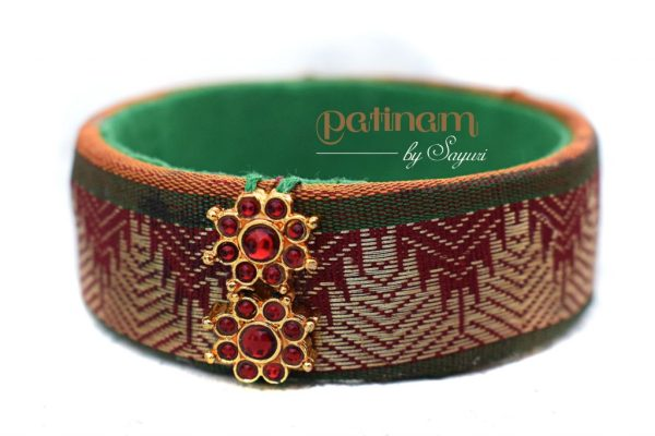 Temple border bangle dance jewellery