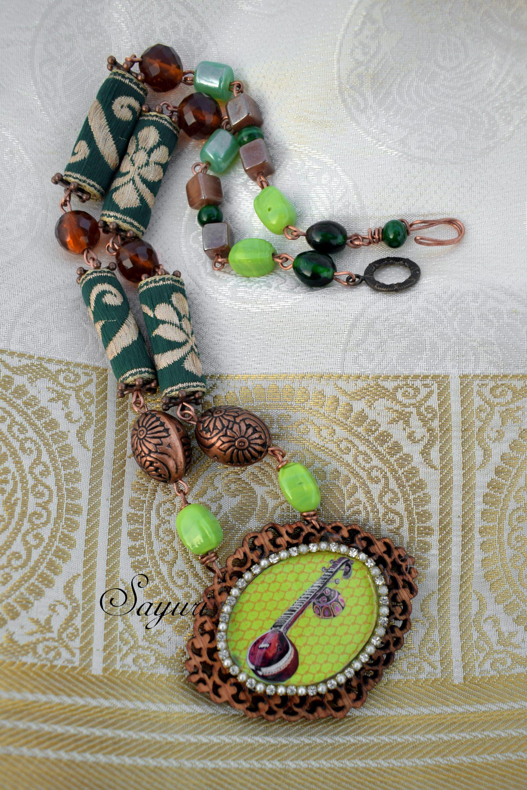 Veena necklace