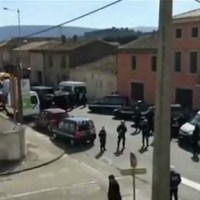 Hero Cop Dead in Islamist Siege of French Supermarket