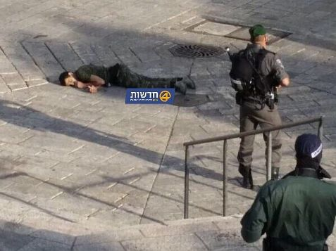 Police forces identified the terrorist dressed in Israeli combat fatigues and killed him.