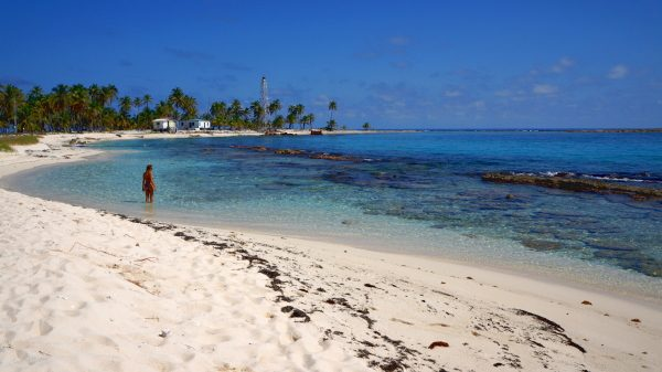 Paradise Beach in Lighthouse Reef, Great Blue Hole of Belize