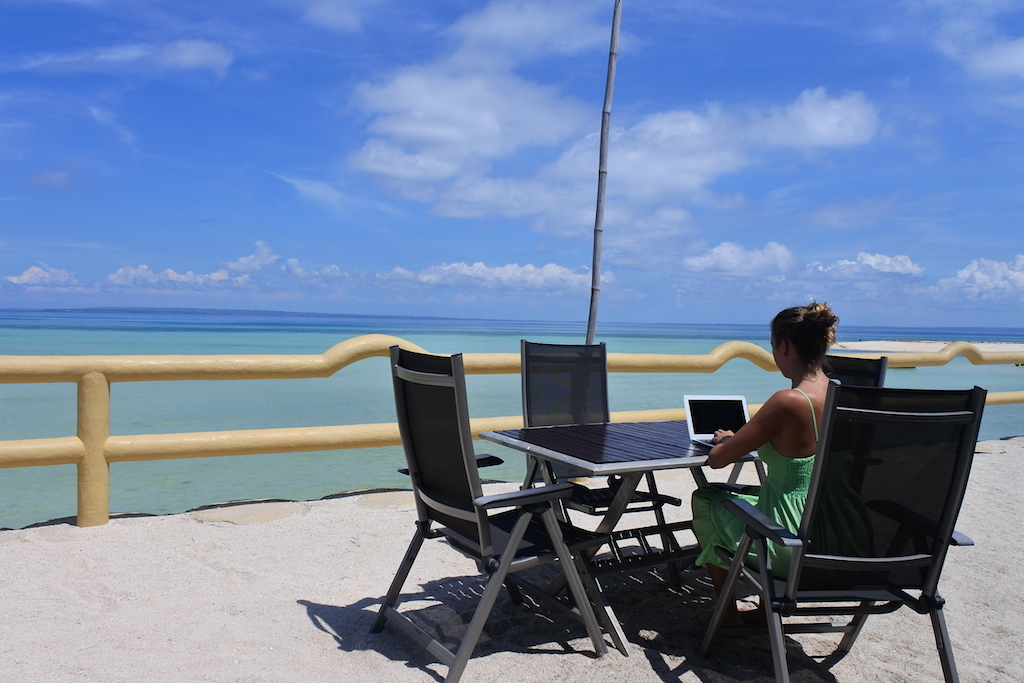 jeyjetter.com: Great WIFI on Bantayan Island