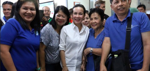 Will ex-U.S. citizen become next Filipino president?