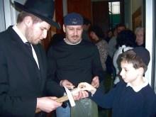 Anbringen von Mesusot 2007