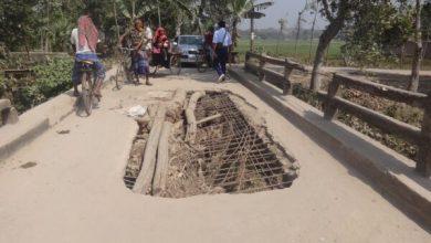 Photo of শৈলকুপা হাটফাজিলপুর-নিত্যানন্দনপুর সড়কের ব্রীজটি ১০বছর একই হালে পড়ে আছে