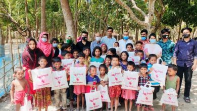 Photo of ঝিনাইদহ বিহঙ্গ সাংস্কৃতিক চর্চার ২৫ জন শিক্ষার্থী মাঝে নতুন কাপড় প্রদান