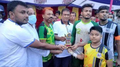 "Photo of ""কালীগঞ্জ পৌরকাপ ফুটবল টুর্ণামেন্ট"" দিনের শেষ হাসি হাসলো বেনাপোল"