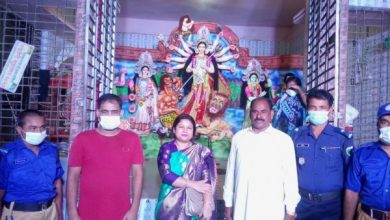 Photo of ঝিনাইদহ হরিণাকুন্ডতে উপজেলা প্রশাসনের বিভিন্ন পূজা মন্ডপ পরিদর্শন