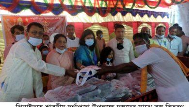 Photo of ঝিনাইদহে শারদীয় দুর্গাপূজা উপলক্ষে ৩ হাজার দুস্থদের মাঝে বস্ত্র বিতরণ