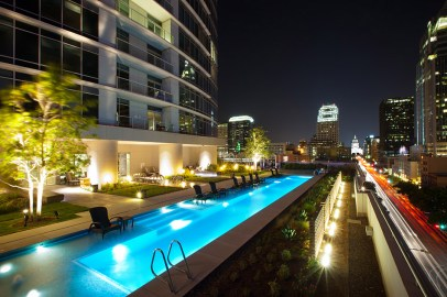 Photograph of the Austonian building pool deck.